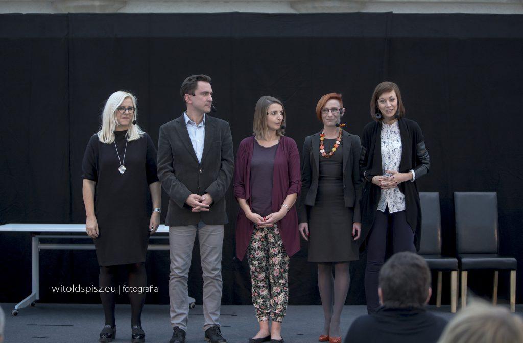 Aktorzy Teatru Interaktywnego dlabiznesu - jubilesz Opta Dobry Trener