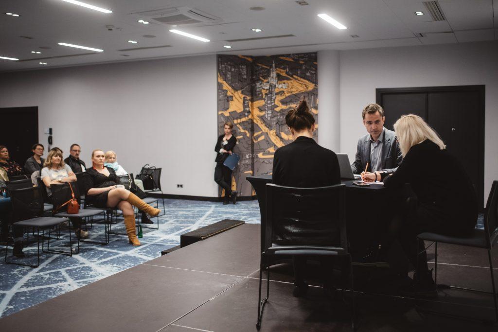 spektakl interaktywny dlamenedżerów - spotkanie zzespołem